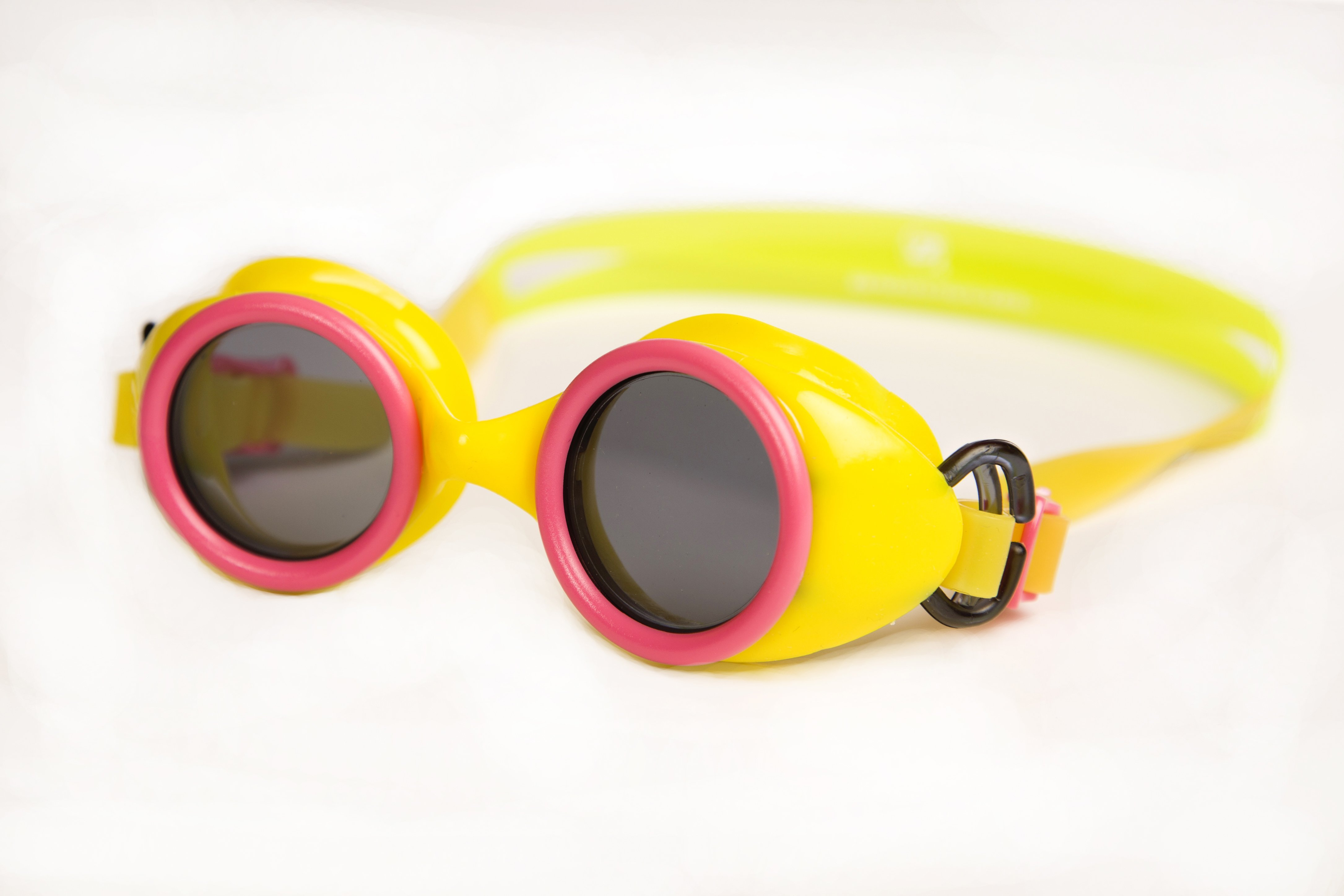 b9c50f88a36 Barracuda Wizard Smoke on Yellow Swim Goggles ...